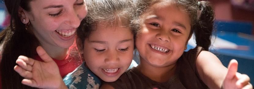 En Projects Abroad-frivillig deltar på Barn & Ungdom-prosjektet i Costa Rica