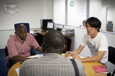 frivillige som jobber med problemstillinger innen sosial rettferdighet i Cape Town, Sør-Afrika