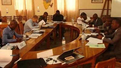 Frivillige på et møte om menneskerettigheter i Togo