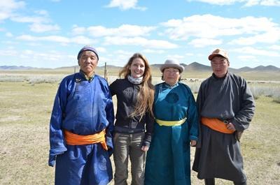 Frivillig sammen med en nomadefamilie på kultur- og samfunnprosjektet i Mongolia