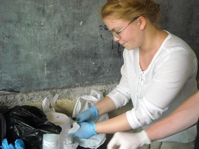 Frivillig som jobber på en klinikk på barsel- og fødeavdelingprosjektet i Togo
