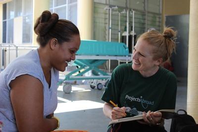 Frivillig underviser i kosthold på ernæringsprosjektet på et sykehus på Samoa