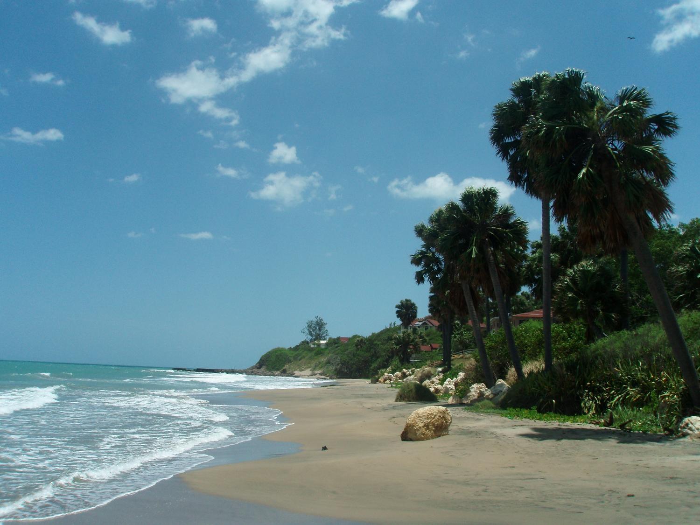 På fritiden kan du besøke flotte strender i Jamaica