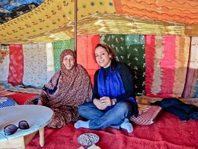Frivillig lever sammen med en nomadefamilie og lærer seg tamazight
