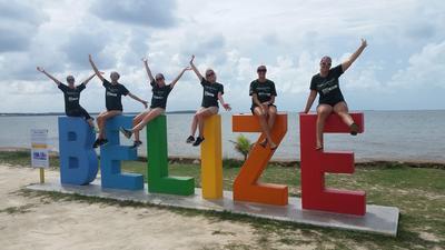 Frivillige på språkkurs i spansk utforsker Belize