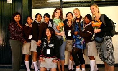 Frivillige sammen med elevene sine på et Undervisningsprosjekt i Mexico