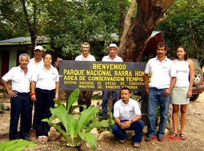 Ansatte på natur- og miljøprosjektet for ungdommer i Costa Rica
