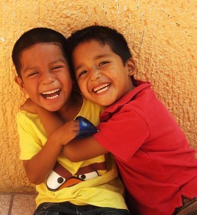 Lokale barn på Barn & Ungdom-prosjektet i San Pedro, Belize