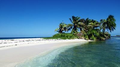 Idyllisk strand på Natur & Miljø-prosjektet i Belize