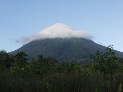 Fjelltopp midt inne i jungelen i Costa Rica, Mellom-Amerika