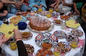Tradisjonell mat under frivillig arbeid i Marokko